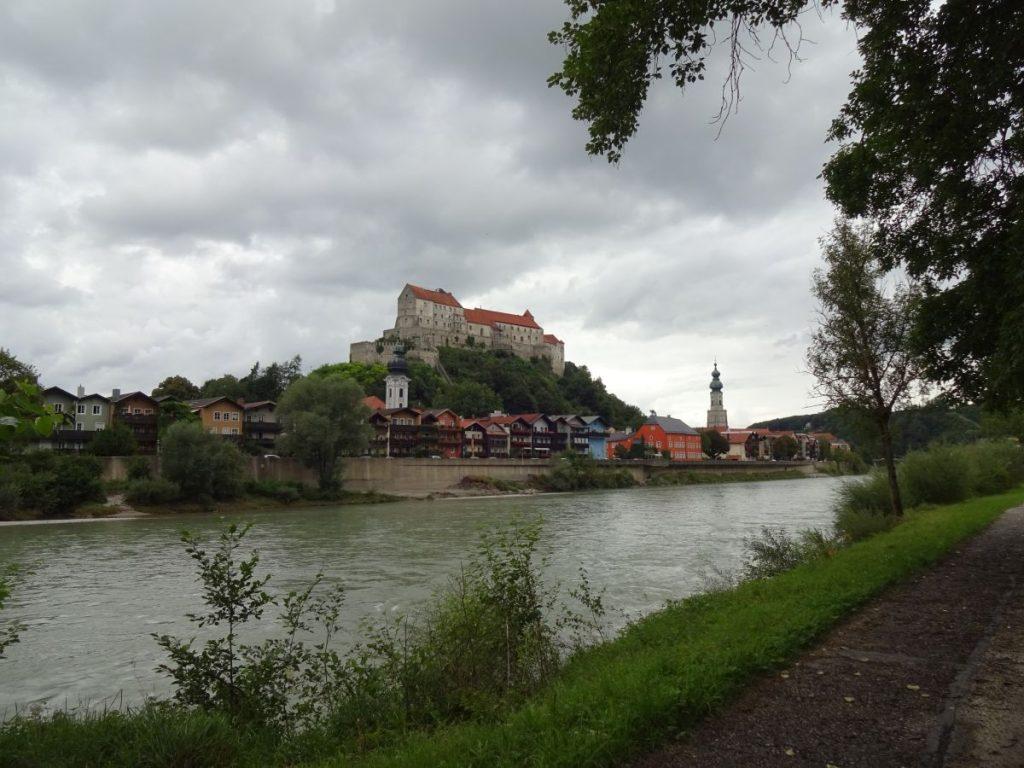 Ankunft in Burghausen.